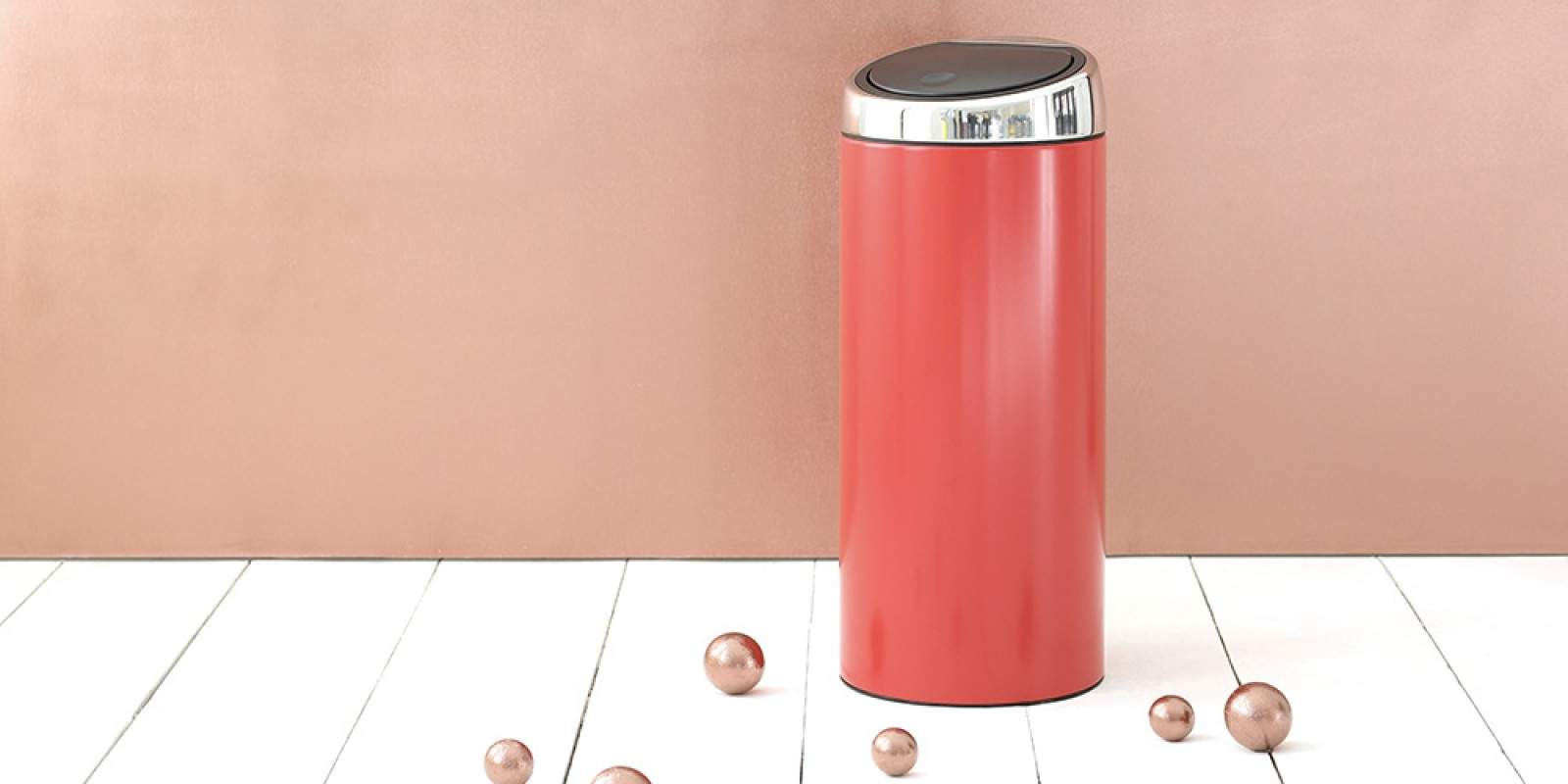 BRABANTIA-484285-Touch-Bin-Silent-30L-Passion-Red-Mood-Geometrics-01