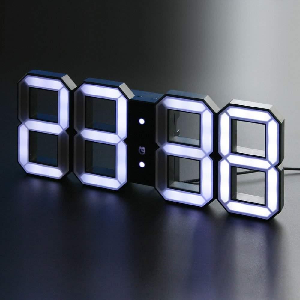 Horloge Black & White par Vadim KIBARDIN