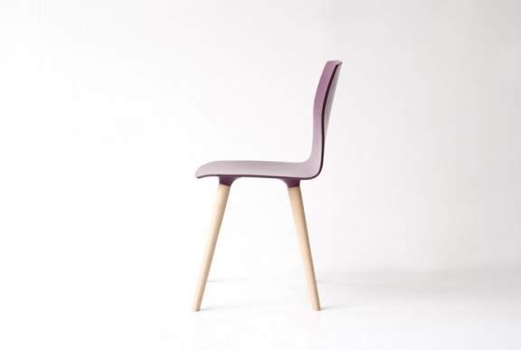 Chaise en bois design juno par freifrau x patrick frey - Quatre pied quatre chaise ...