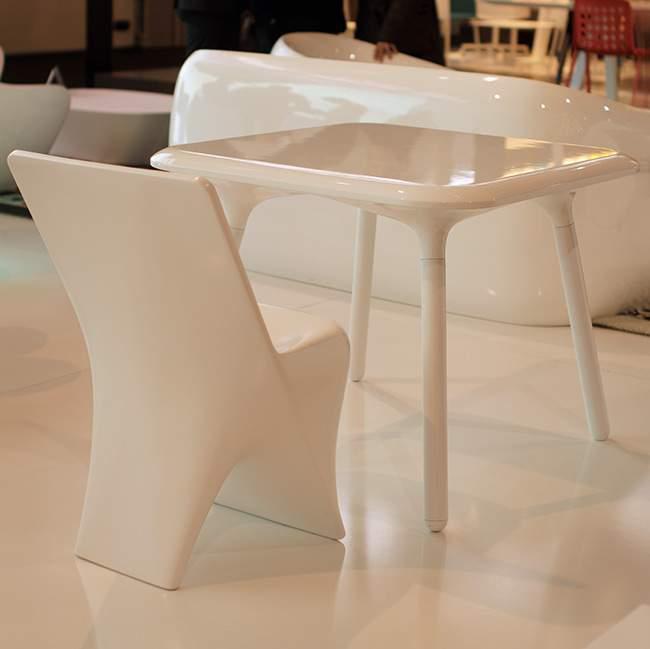 M&O 13 : Table et Chaise SLOO par VONDOM x Karim RASHID
