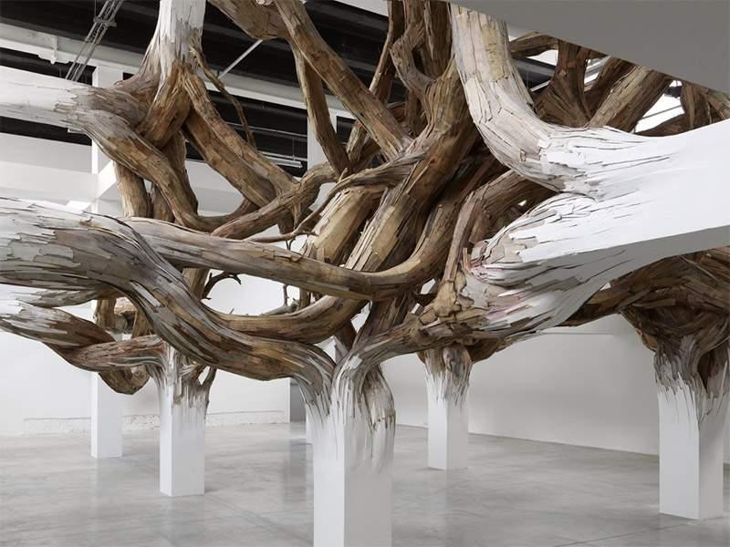 Exposition BAITOGOGO par Henrique OLIVEIRA au Palais de Tokyo