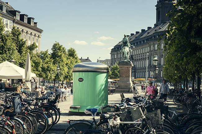 Une Poubelle VIPP géante met Copenhague au vert