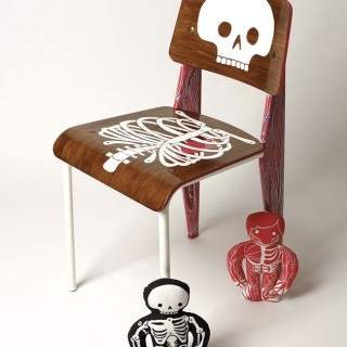 AK-LH-by-Aksel-anatomical-chair-©-Hugo-Miserey-7.jpg
