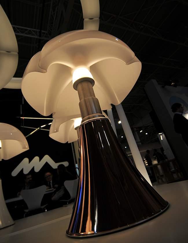 #MO14 – La lampe PIPISTRELLO passe aux LEDs et arbore un coloris Cuivre
