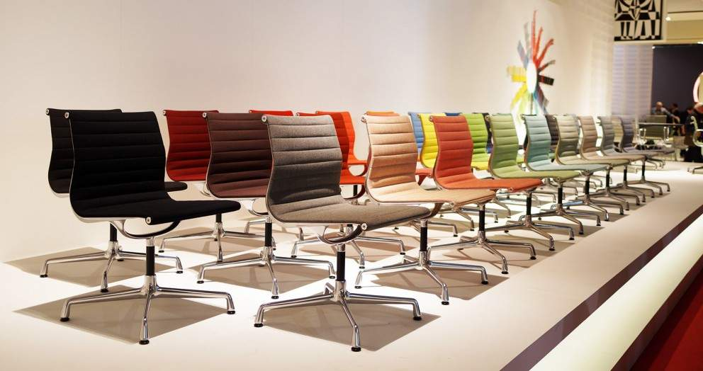 EAMES VITRA DINING CHAIR