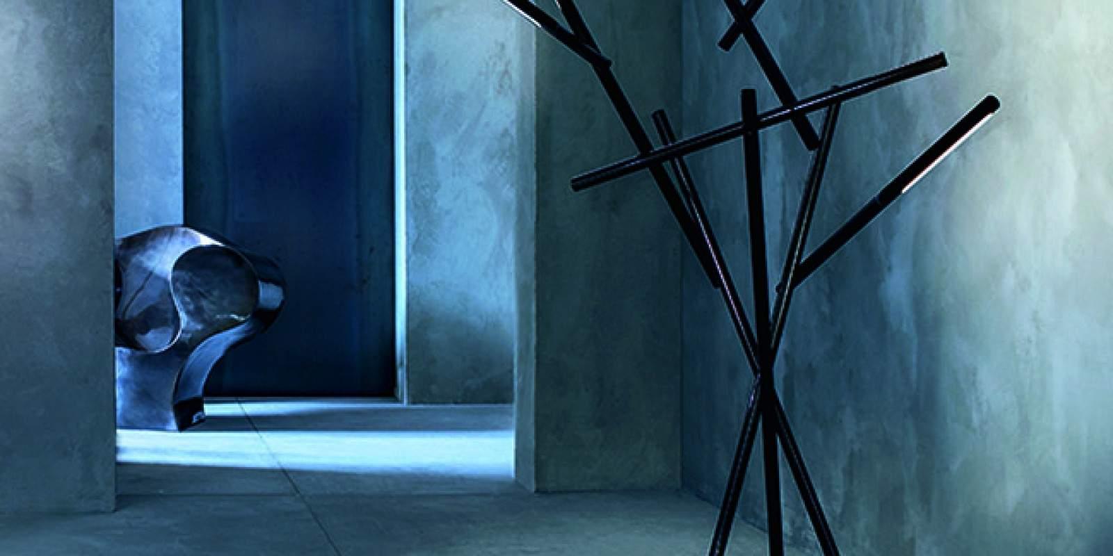 lampadaire tuareg par foscarini x laviani deco design. Black Bedroom Furniture Sets. Home Design Ideas