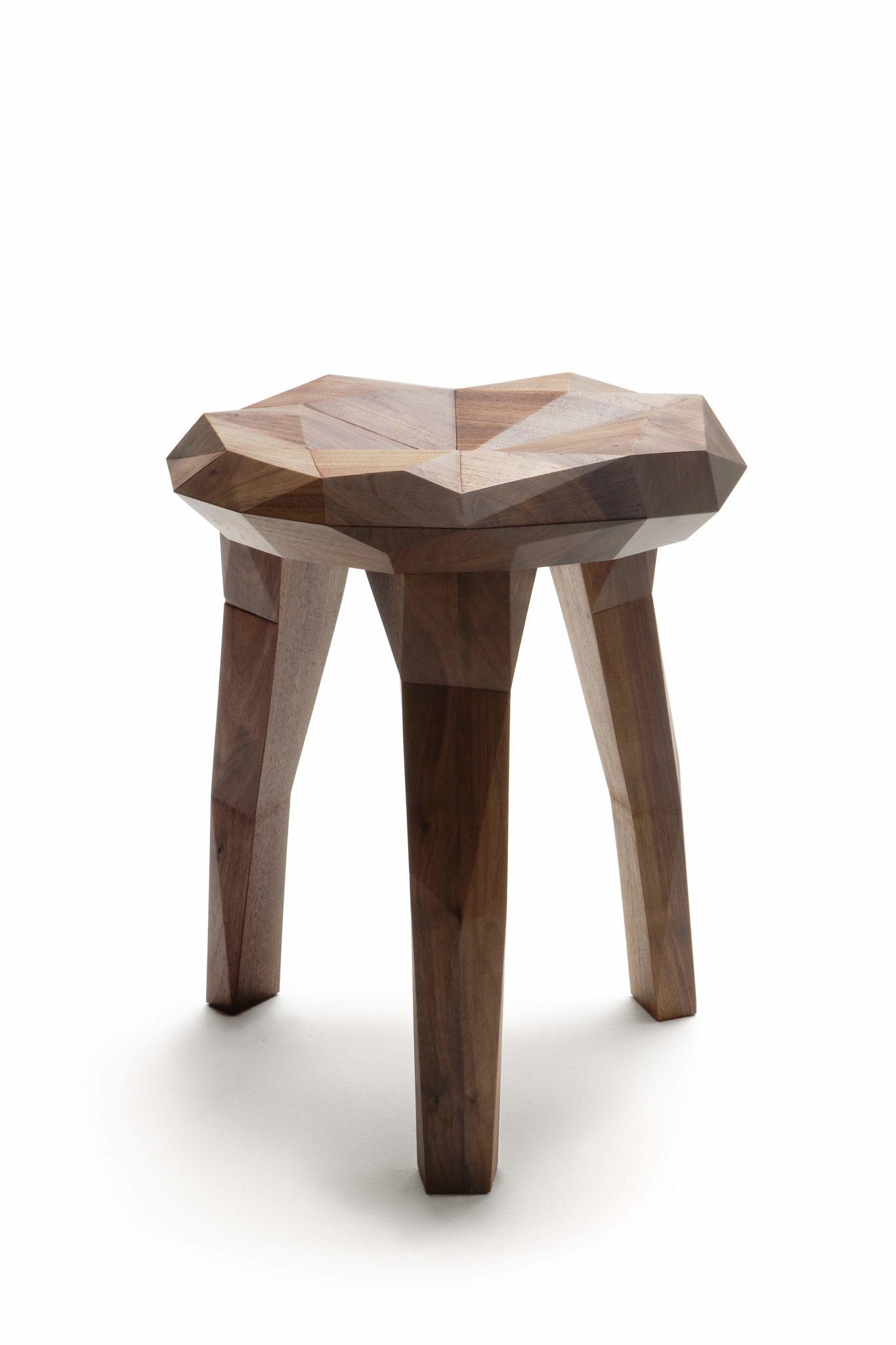 Tabouret bois design STOCKHOLM study par NIKARI