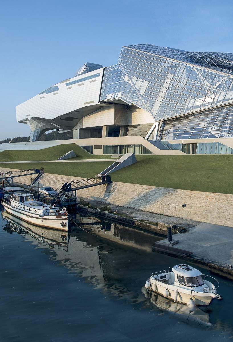 Le mus e des confluences lyon deco design for Architecte musee confluence