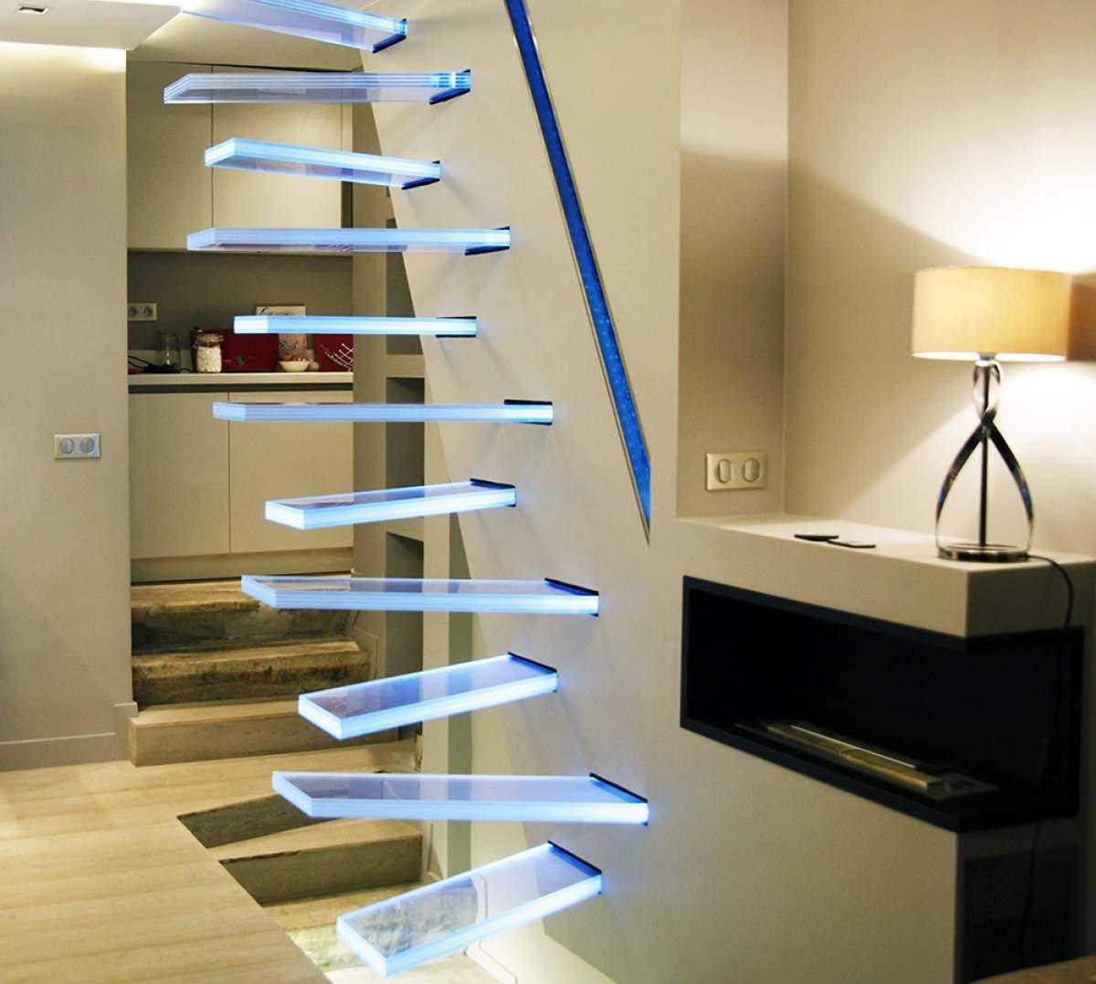Escalier en verre par Frederic HAMERLAK | DECO-DESIGN
