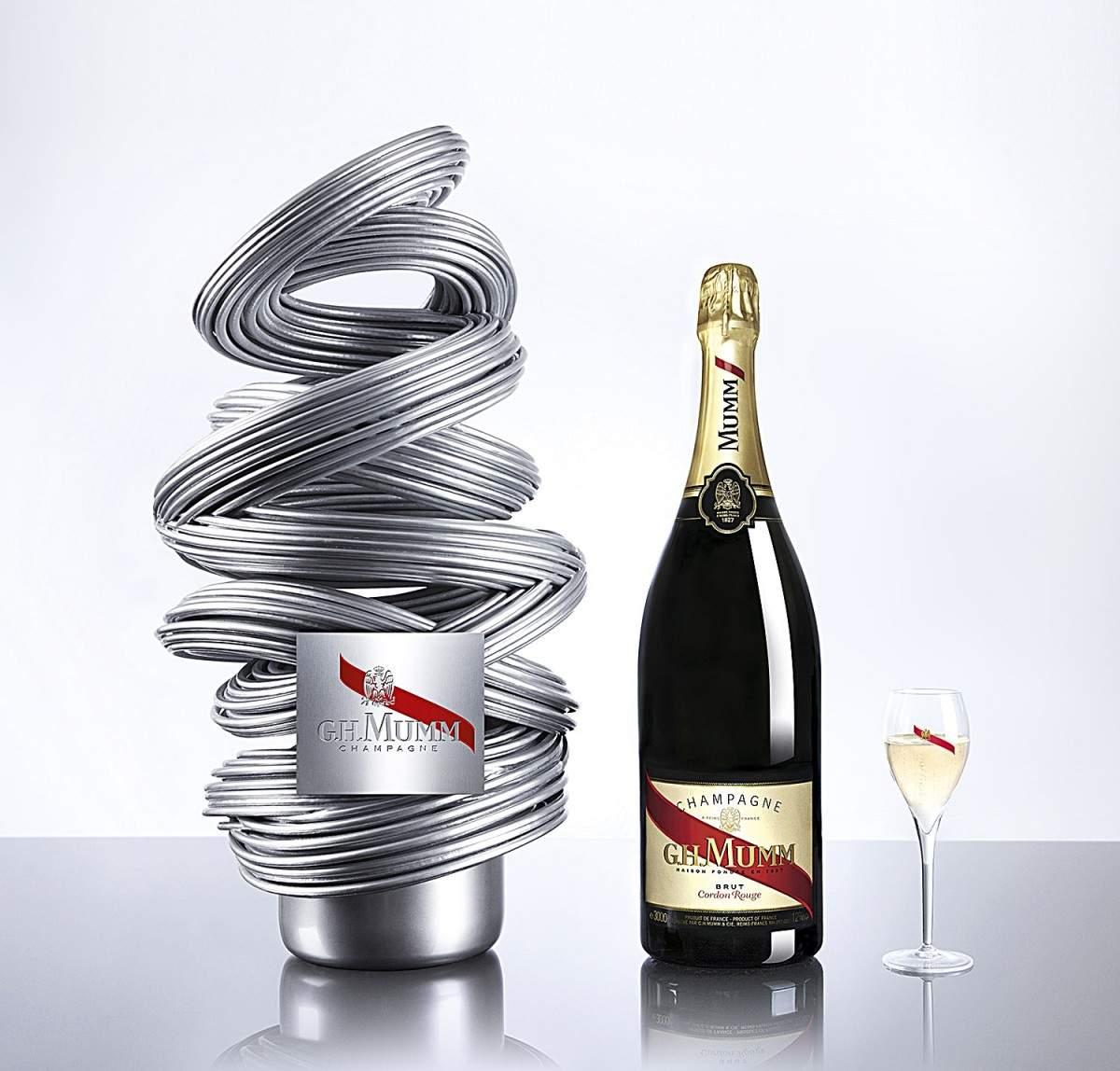 champagne mumm PR pack by Renato Montagner bottle outside and flute-V2-3_RVB