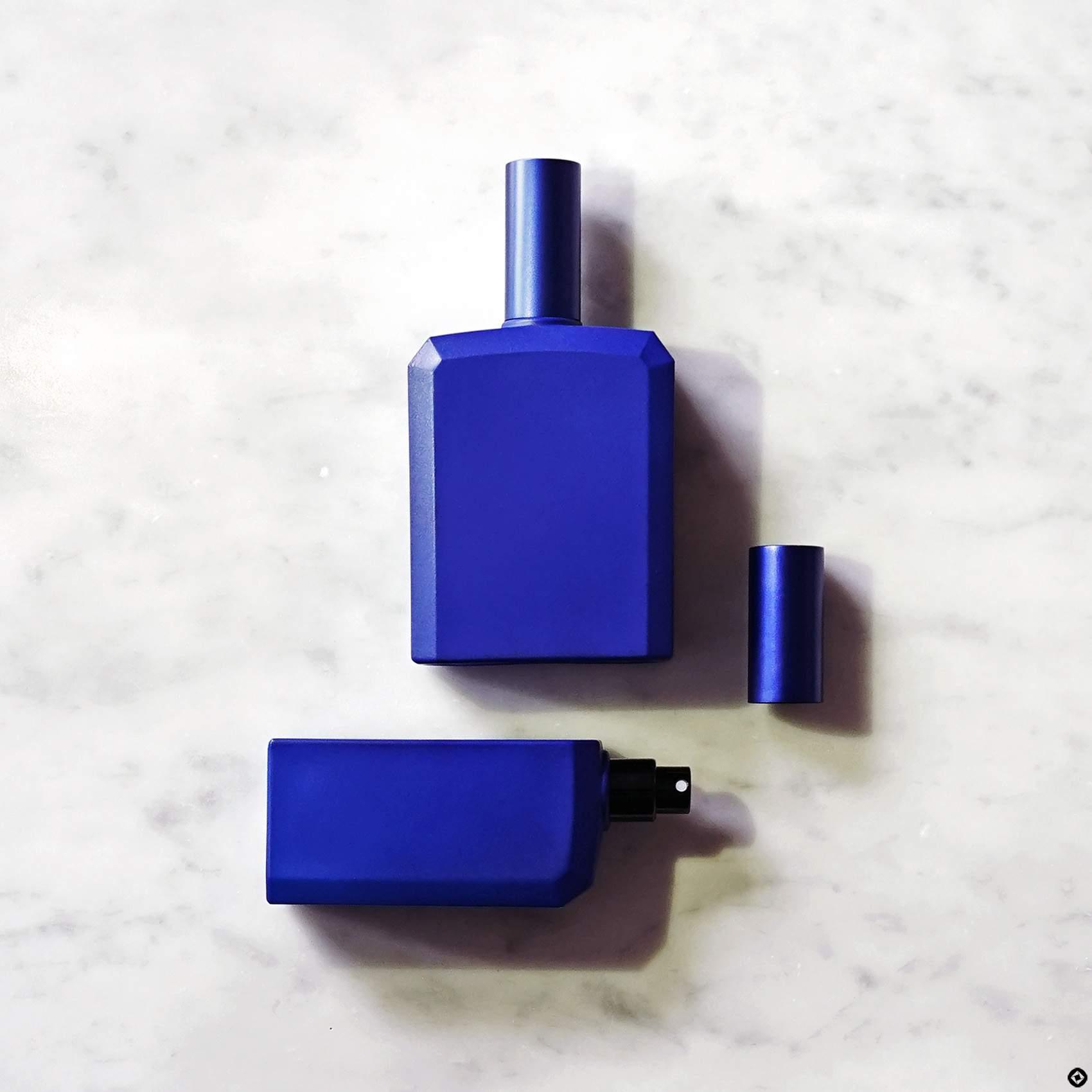 histoires-de-parfums-ceci-nest-pas-un-flacon-bleu