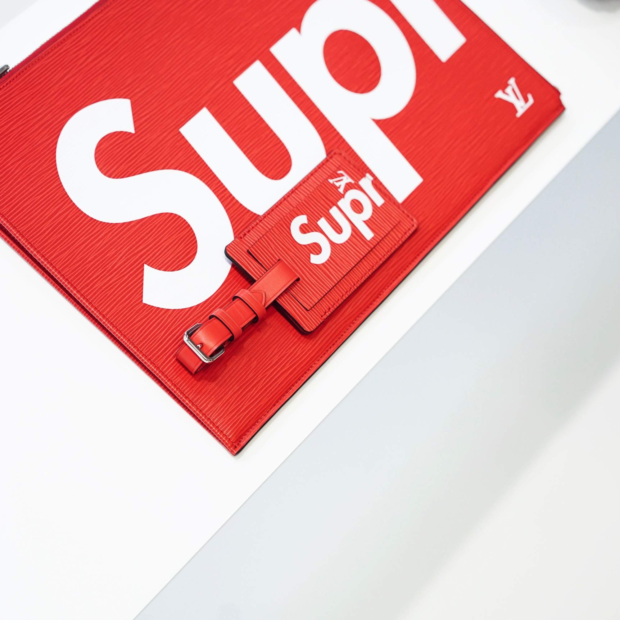 LVxSUPREME-louis-vuitton-supreme__4739