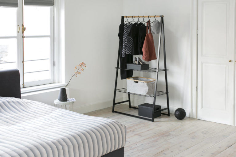 14_Linn_Clothes_Rack_14