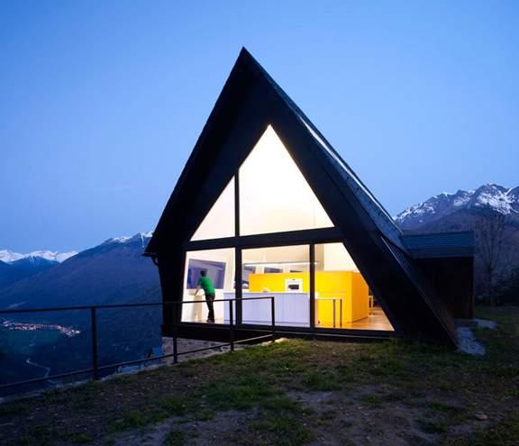 Une Maison dans les Pyrénées par CADAVAL & SOLA-MORALES